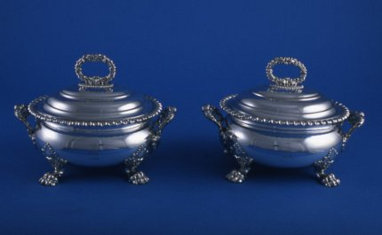 Pair sauce tureens - Click to enlarge and for full details.