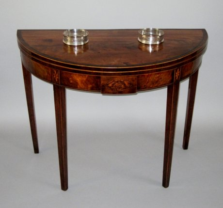 LATE 18TH CENTURY MAHOGANY TEA TABLE. CIRCA 1785 - Click to enlarge and for full details.