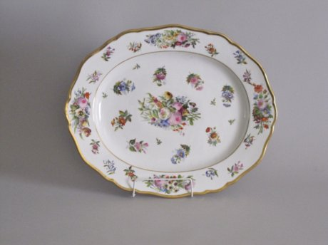 FRENCH PORCELAIN PLATTER. PARIS, CIRCA 1825. - Click to enlarge and for full details.