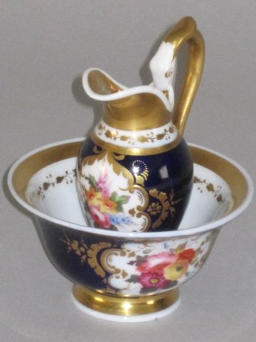 CHAMBERLAINS WORCESTER MINIATURE EWER & BASIN. CIRCA 1825. - Click to enlarge and for full details.