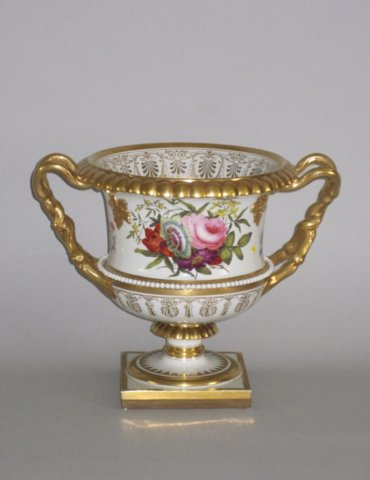 FLIGHT BARR & BARR WORCESTER VASE. CIRCA 1820-5 - Click to enlarge and for full details.