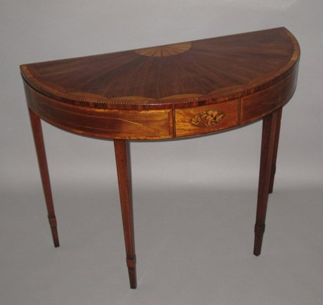 18th CENTURY MAHOGANY CARD TABLE. CIRCA 1785. - Click to enlarge and for full details.