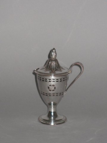 OLD SHEFFIELD PLATE SILVER MUSTARD POT, CIRCA 1775. - Click to enlarge and for full details.
