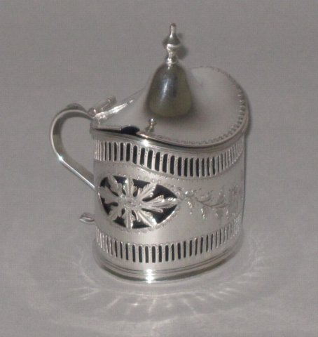 OLD SHEFFIELD PLATE SILVER MUSTARD POT, CIRCA 1785. - Click to enlarge and for full details.