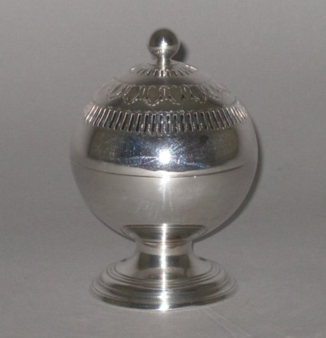 OLD SHEFFIELD PLATE SILVER SOAP DISH, CIRCA 1790. - Click to enlarge and for full details.