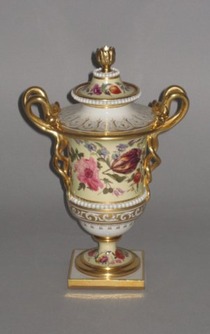 FLIGHT BARR & BARR VASE. CIRCA 1815. - Click to enlarge and for full details.