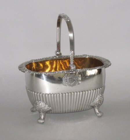 OLD SHEFFIELD PLATE SILVER BASKET. CIRCA 1820 - Click to enlarge and for full details.