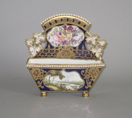 SPODE PORCELAIN LETTER RACK. CIRCA 1820-25 - Click to enlarge and for full details.