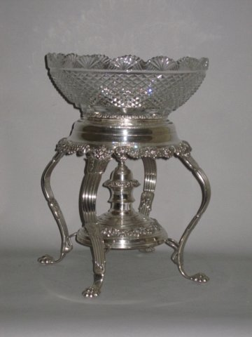 OLD SHEFFIELD PLATE SILVER EPERGNE. CIRCA 1825. - Click to enlarge and for full details.