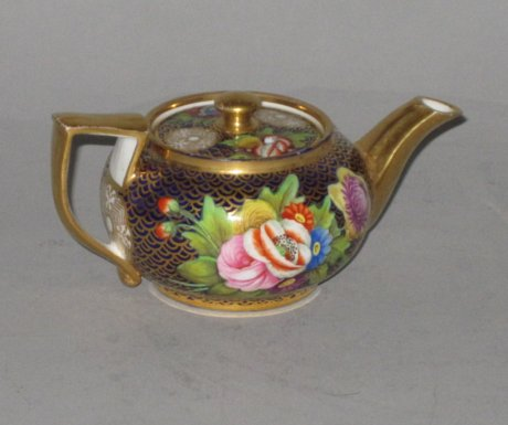 SPODE MINIATURE TEAPOT. CIRCA 1815 - Click to enlarge and for full details.