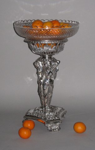 OLD SHEFFIELD PLATE SILVER EPERGNE, CIRCA 1825 - Click to enlarge and for full details.