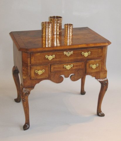 QUEEN ANNE WALNUT LOWBOY, CIRCA 1710 - Click to enlarge and for full details.