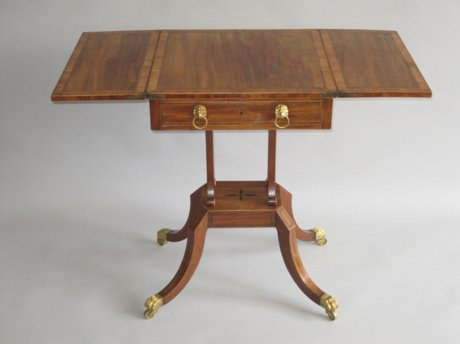 SHERATON PERIOD MAHOGANY PATIENCE TABLE, CIRCA 1800. - Click to enlarge and for full details.