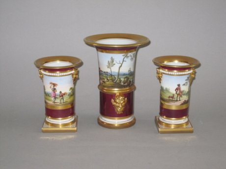 ​A FINE GARNITURE OF FLIGHT BARR & BARR WORCESTER PORCELAIN VASES,CIRCA 1820. - Click to enlarge and for full details.