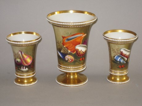 A GARNITURE OF THREE SPODE VASES, CIRCA 1821-3 - Click to enlarge and for full details.