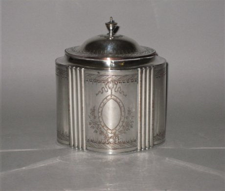 ​A FINE OLD SHEFFIELD PLATE SILVER TEA CADDY, CIRCA 1780. - Click to enlarge and for full details.