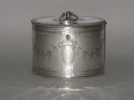 AN 18TH CENTURY OLD SHEFFIELD PLATE SILVER TEA CADDY, CIRCA 1775. - Click to enlarge and for full details.