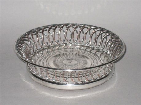 SINGLE OLD SHEFFIELD PLATE SILVER CAOSTER, CIRCA 1780 - Click to enlarge and for full details.