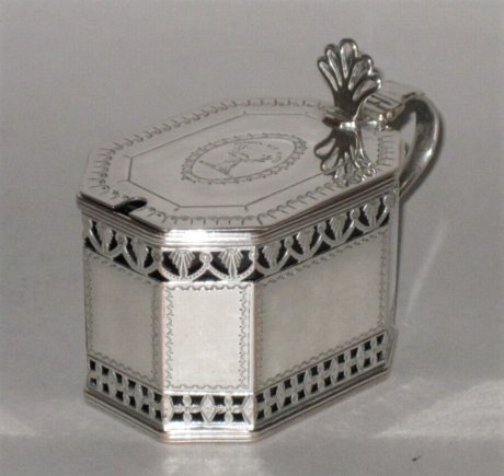 OLD SHEFFIELD PLATE SILVER MUSTARD POT, CIRCA 1775 - Click to enlarge and for full details.