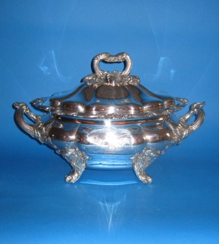 Early 19th Century Soup Tureen & Cover - Click to enlarge and for full details.