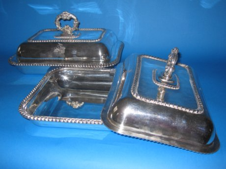 Pair of Old Sheffield Plate silver entree dishes, circa 1810 - Click to enlarge and for full details.