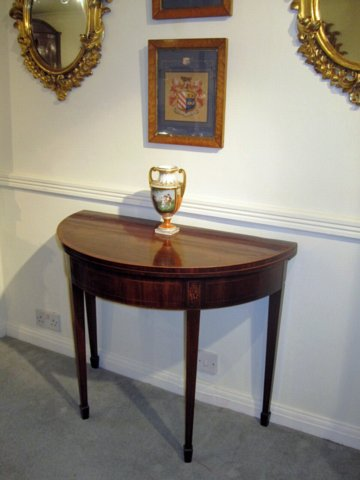 LATE 18TH CENTURY MAHOGANY TEA TABLE. CIRCA 1790 - Click to enlarge and for full details.