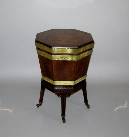 MAHOGANY & BRASS BOUND WINE COOLER. CIRCA 1785. - Click to enlarge and for full details.