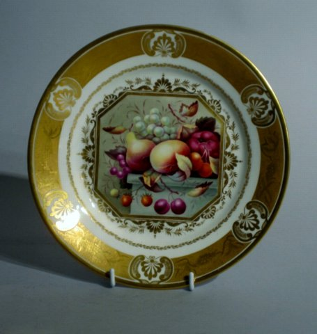 DERBY PORCELAIN CABINET PLATE, CIRCA 1815. PAINTED BY THOMAS STEELE. - Click to enlarge and for full details.